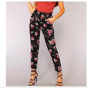 Pants - ✨LAST ONE ✨Floral chic paperbag pants